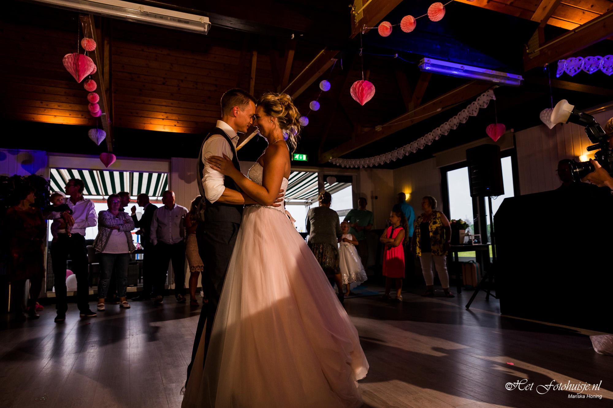 De mooie bruiloft van Rory en Erica